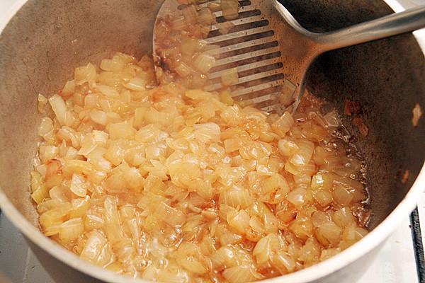 Тушеная капуста рецепт с фото