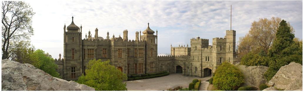 Фотография Воронцовского дворца в Алупке. Крым