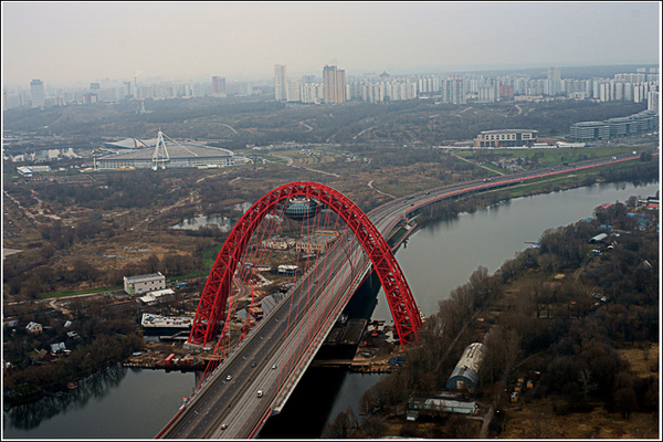 фотосъемка пейзажей и ландшафтов Москвы. фото вида моста на ул. Маршала Жукова