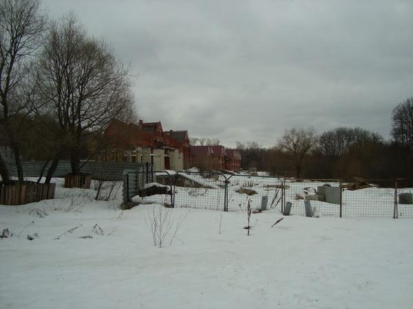 """Участок относится к Особо охраняемой природной территории природно-исторического парка  """"Тушинский """". http..."""