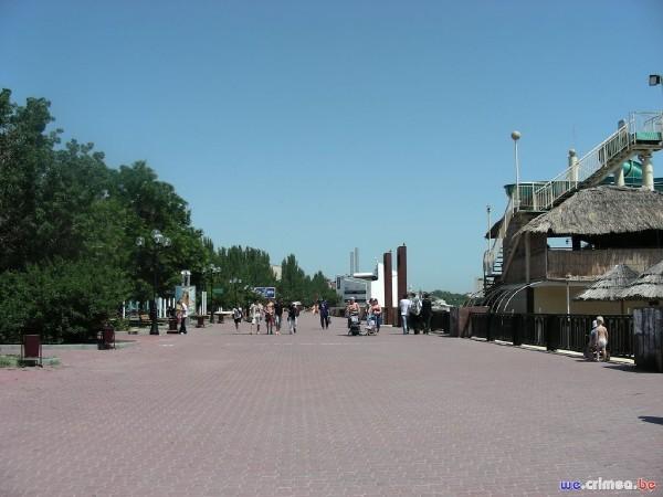 Велопоход по восточному Крыму - фотоотчет - набережная Феодосии