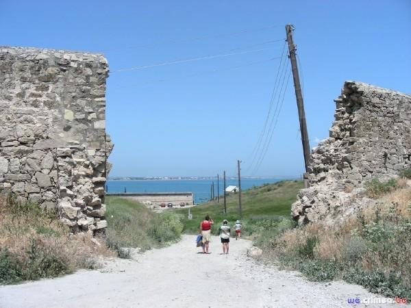 Велопоход по восточному Крыму - фотоотчет - Феодосия - за городом старый город