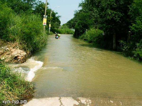 затопило тайланд