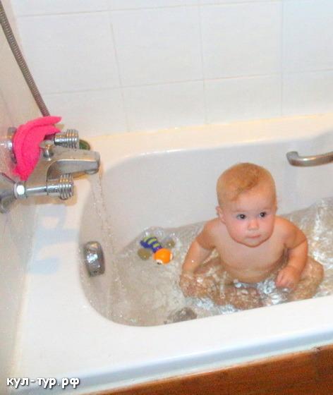 с ребёнком в ванной