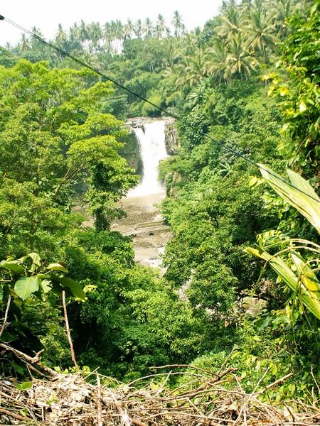 водопад на бали