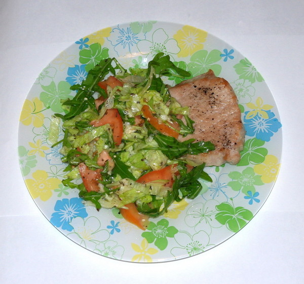 стей и салат