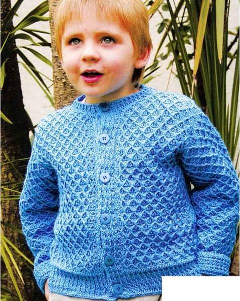 Журнал по вязанию спицами для мальчиков и девочек.  Кофточки, комбинезончики, шапочки для самых маленьких и пуловеры...
