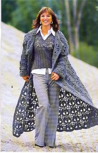 Вязаное крючком пальто.
