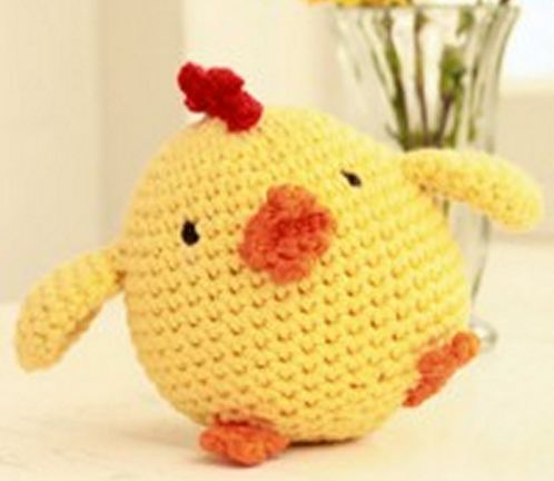 Вязаный цыплёнок крючком от
