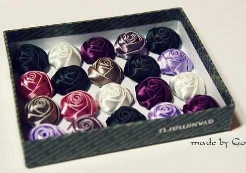 Розы из атласных лент