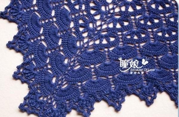Шикарная синяя шаль крючком.