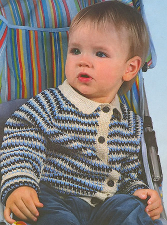 Полосатая кофта крючком связана для мальчика 2-3 лет.  Материалы для работы: тонкая полушерстяная пряжа (50% шерсть...