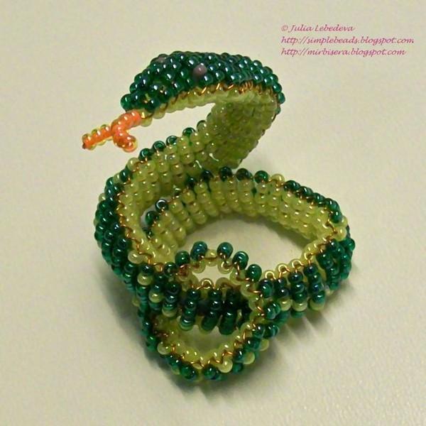 Змея объёмная. Бисероплетение.