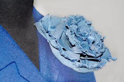 женский стеганый жилет с капюшоном большого размера