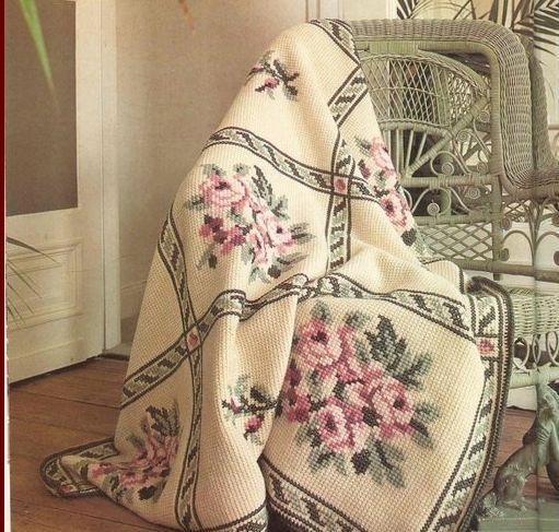 Вышивка на вязанном полотне.