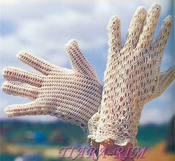 Ажурные перчатки спицами.