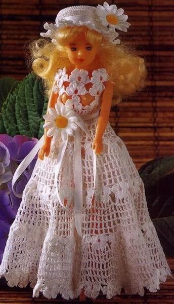 шить и вязать куклам.