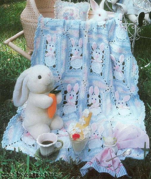 Плед для малыша с зайчиками.