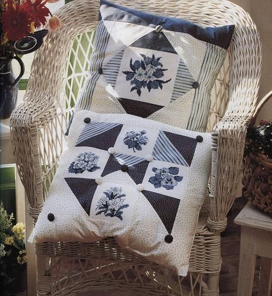 Лоскутные подушки с вышивкой в