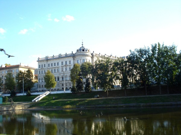 Парк Черное озеро