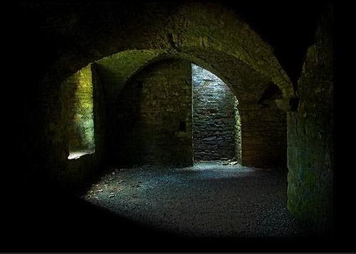 Подземные ходы под дворцом. I-182