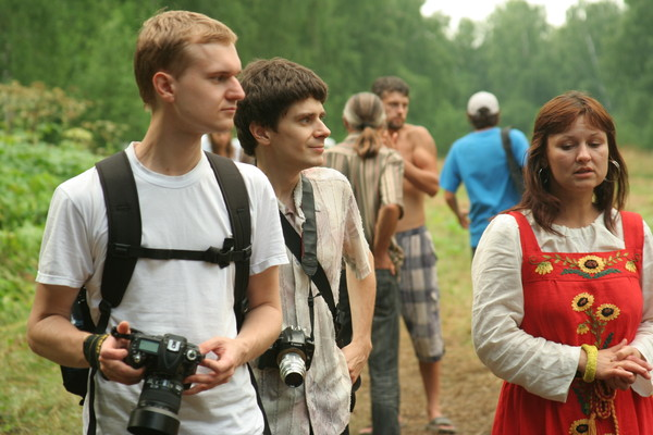 http://content.foto.mail.ru/mail/rodovoe/festival2011/i-3076.jpg