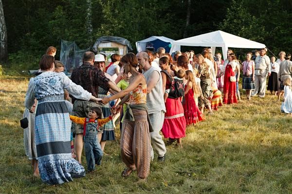 http://content.foto.mail.ru/mail/rodovoe/festival2011/i-3110.jpg