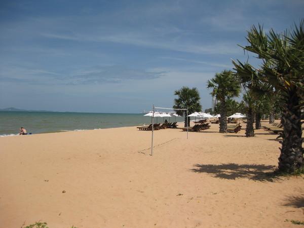 Паттайя. Самая чистая и красивая часть пляжа Джомтьен.