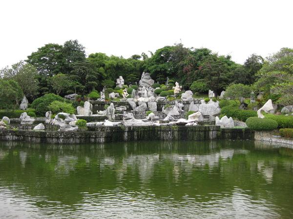 Пейзаж в саду миллионолетних камней