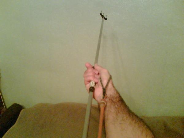 Самые простые подводные ружья - слинги, или гавайка, или острога.  Это алюминиевая или стеклопластиковая трубка...