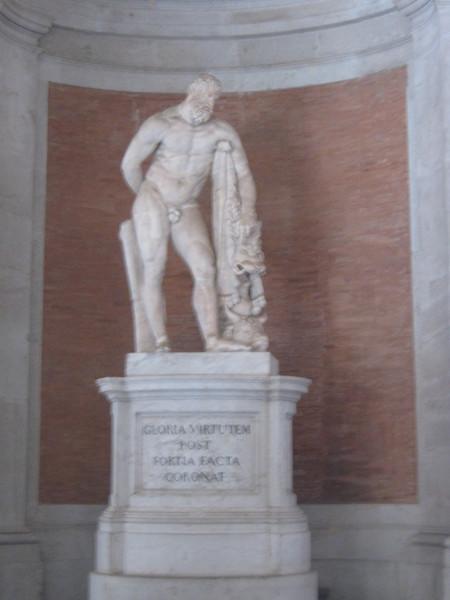 Геракл, Казерта–королевский дворец