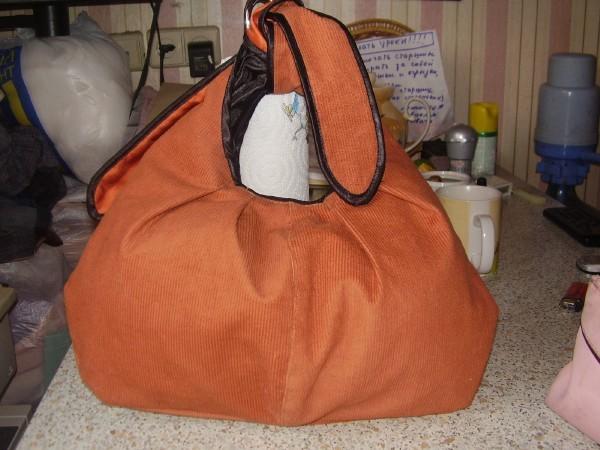 Рыжая сумка (вид сзади)