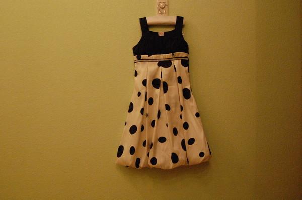 Когда попадаешь в интернет магазин платьев от дизайнера Лены Нолес, то внезапно осознаешь