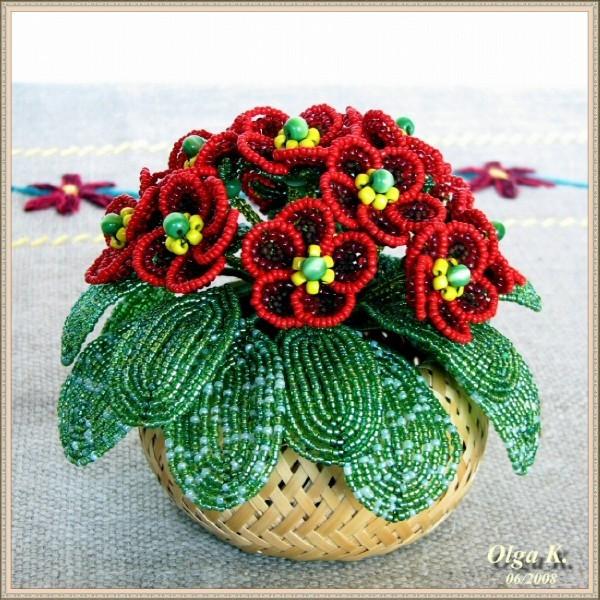 В нынешнее время, с помощью технологии плетения бисером можно сотворить различные украшения, как для себя...