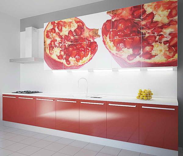Яркого цвета может быть рабочая поверхность и фартук кухни, либо яркие