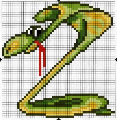 Змейка в вышивке.
