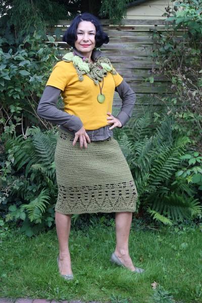 """юбка - к жакету """"Сезонный тренд"""".такой цвет хорошо комбинируется с горчичным , как не странно с приглушенным оранжевым"""