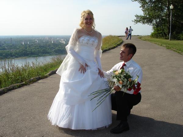 А свидетель не дурак, Хороша невеста.  Не попасть бы Вам в просак.