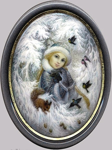 Родилась в 1960 г. в поселке Федоскино, (40 километров на север от Москвы), в семье наследственных живописцев.