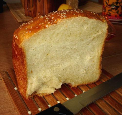 Крошится хлеб