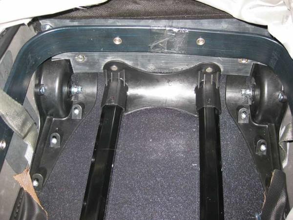 заменить колеса на чемодане.