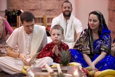 В гостях у Ачинтья Кришны и Сангиты