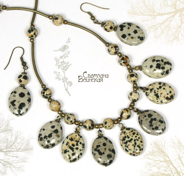 ожерелье из яшмы