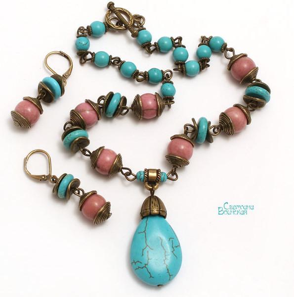 браслет серьги длинные бусы ожерелье натуральный говлит родонит камни авторские украшения